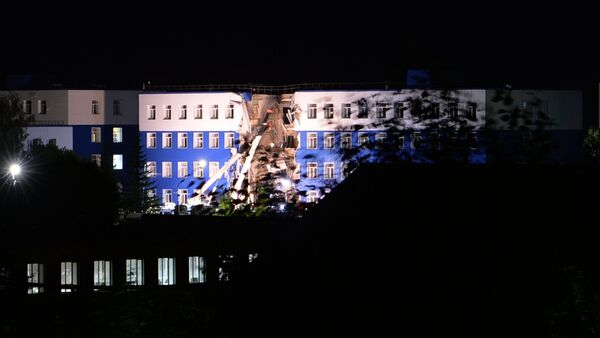 Обрушение крыши учебного центра ВДВ в Омской области - Sputnik Узбекистан