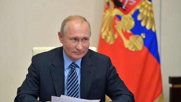 Президент РФ В. Путин встретился с главой ЦИК РФ Э. Памфиловой - Sputnik Узбекистан