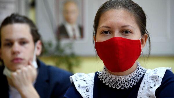 Школьники сдают единый государственный экзамен в Чите - Sputnik Ўзбекистон