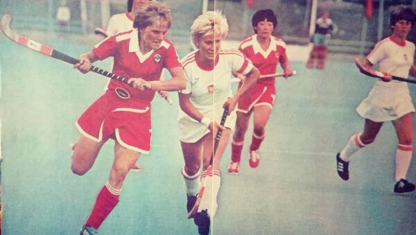 Sbornaya SSSR po xokkeyu na trave v ocherednom matche - Sputnik Oʻzbekiston