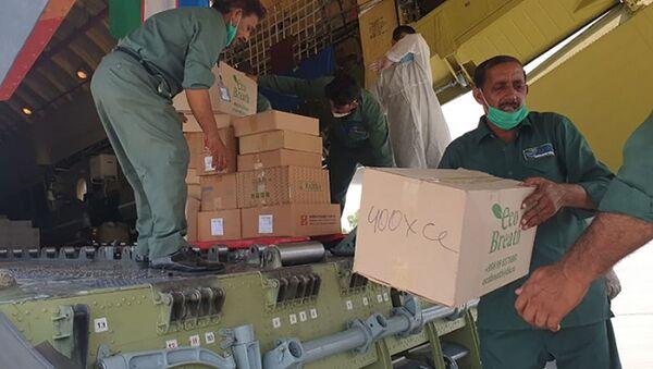 Узбекистан направил Пакистану гуманитарную помощь - Sputnik Ўзбекистон