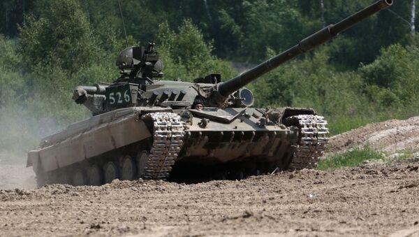 Tank T-64 vo vremya voyennыx ucheniy - Sputnik Oʻzbekiston