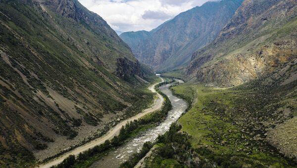 Долина реки Чулышман в Республике Алтай - Sputnik Узбекистан