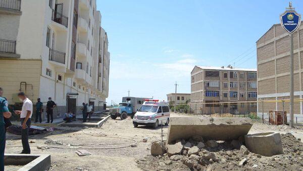 Трагедия на стройке в Бухаре: трое рабочих скончались на месте - Sputnik Узбекистан