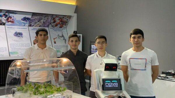 Узбекские студенты создали собственного робота-ассистента - Sputnik Узбекистан