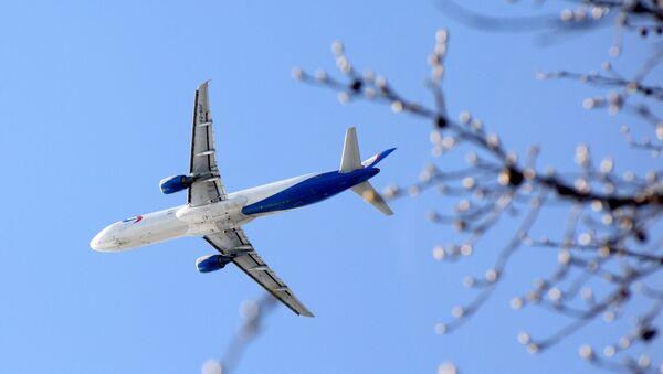 Samolyot v nebe - Sputnik Oʻzbekiston