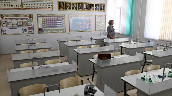 Открытие новой школы в Новосибирске - Sputnik Узбекистан