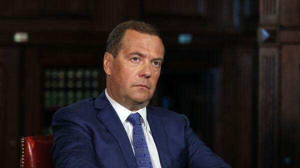 Заместитель председателя Совбеза РФ Дмитрий Медведев - Sputnik Узбекистан