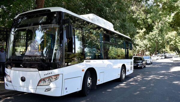 В Ташкент привезли новые автобусы марки Yutong - Sputnik Узбекистан