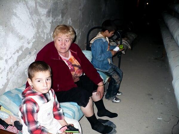 Жители города укрываются в подвале больницы.  - Sputnik Узбекистан