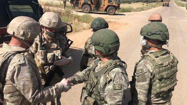 Rossiya i Turtsiya proveli sovmestnoye patrulirovaniye v siriyskoy provintsii Aleppo-Latakiya - Sputnik Oʻzbekiston