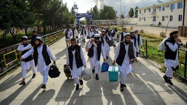 Боевики движения Талибан во время освобождения - Sputnik Ўзбекистон