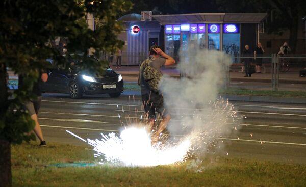 Протесты и беспорядки в Минске после президентских выборов - Sputnik Узбекистан