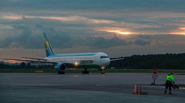 Самолет Airbus A320 компании Uzbekistan Airways - Sputnik Ўзбекистон