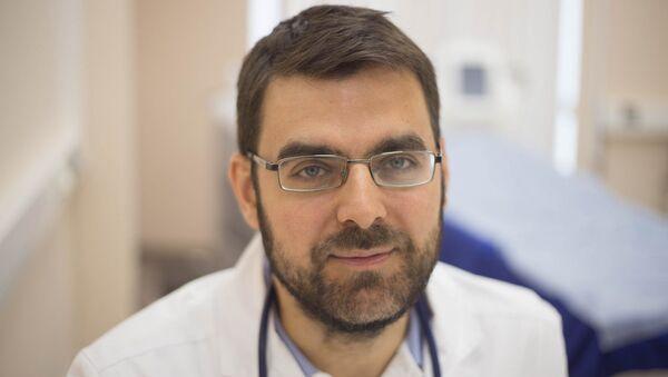 Врач-вирусолог, директор научного информационного центра по профилактике и лечению вирусных инфекций Георгий Викулов - Sputnik Узбекистан
