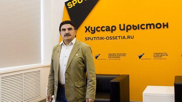 Председатель Межрегионального экологического движения Ока Алан Хасиев - Sputnik Узбекистан