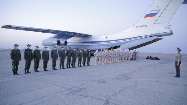 Солдаты из России и Белоруссии прибыли в международный аэропорт Ферганы - Sputnik Ўзбекистон