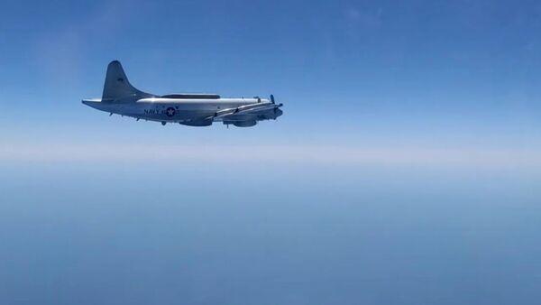 Сопровождение самолета ЕР-3Е Aries ВМС США над Черным морем - Sputnik Ўзбекистон
