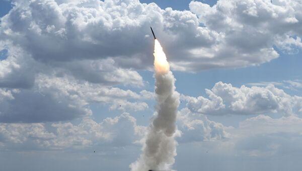 Пуск ракеты по воздушным целям - Sputnik Ўзбекистон