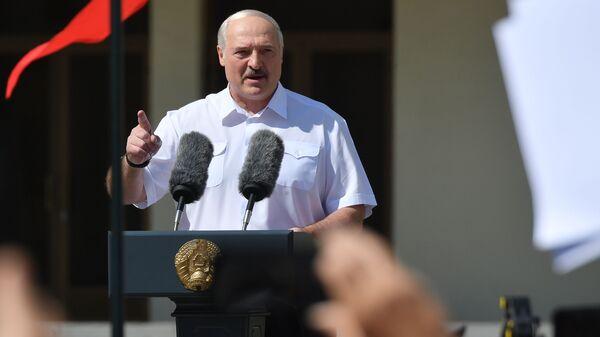 Митинг в поддержку действующего президента Белоруссии А. Лукашенко в Минске - Sputnik Узбекистан