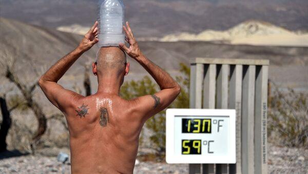 """""""Ўлим водийси""""да (Калифорния, АҚШ) термометр устунлари +54,4 даражага кўтарилди - Sputnik Ўзбекистон"""