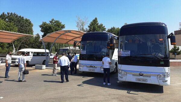 Между Ташкентом и Бостанлыком запущено автобусное сообщение - Sputnik Узбекистан