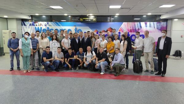 Rossiyskiye vrachi pribыli v Uzbekistan dlya pomoщi kollegam v borbe s koronavirusom - Sputnik Oʻzbekiston