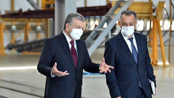Шавкат Мирзиёев посетил завод общества с ограниченной ответственностью Бектемир металл конструкциялари - Sputnik Узбекистан