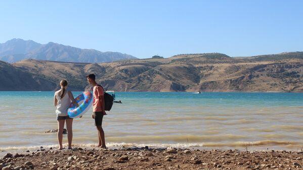 В Узбекистане помимо Чарвака не так много курортов для отдыха на воде, хотя новые места уже появляются, например, на Тудакуле. - Sputnik Узбекистан