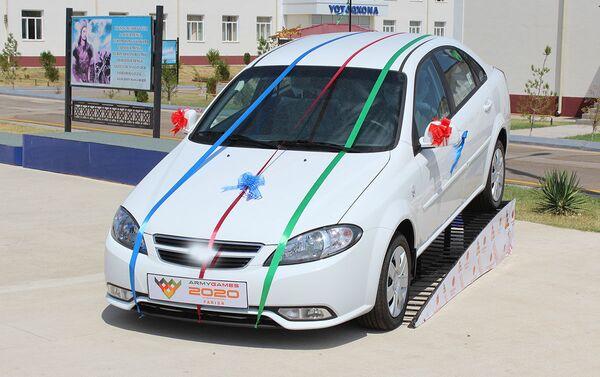Победитель соревнований по военно-медицинскому многоборью в Узбекистане получит машину - Sputnik Узбекистан