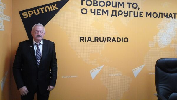 Военного университета Минобороны России, полковник в отставке Владимир Карякин - Sputnik Узбекистан