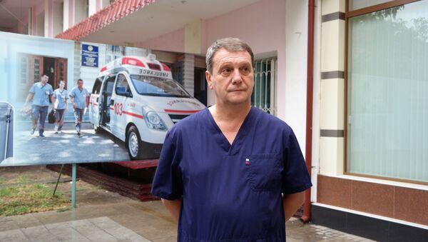 Российский врач-реаниматолог Михаил Замятин - Sputnik Узбекистан