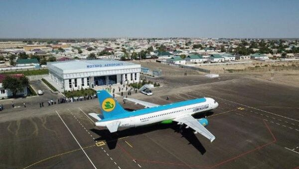 Аэропорт Муйнак принял первый пробный пассажирский рейс - Sputnik Ўзбекистон