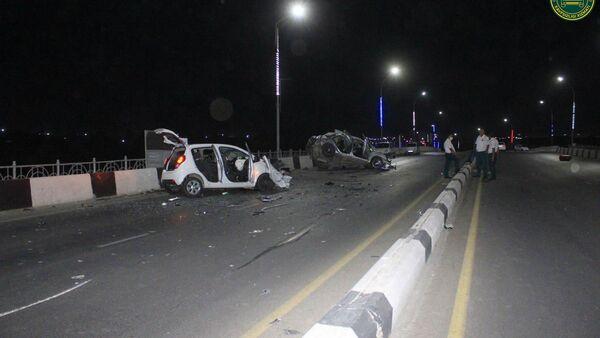 Смертельная гонка на трассе: в Маргилане произошла страшная авария - фото - Sputnik Узбекистан