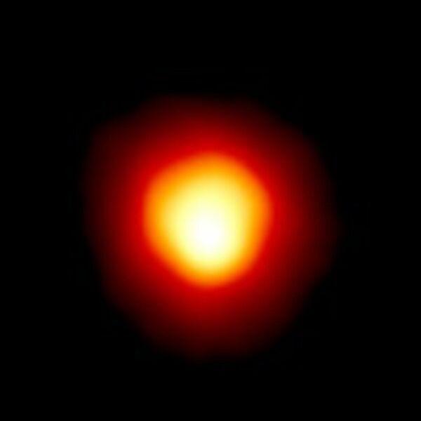 Звезда Бетельгейзе (Альфа Ориона)  - Sputnik Узбекистан