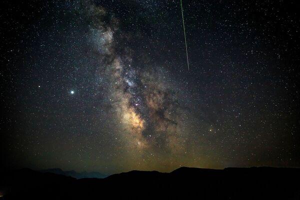 Метеорный поток Персеиды - Sputnik Узбекистан