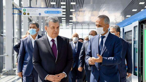 Шавкат Мирзиёев ознакомился с первым этапом  возведения надземного кольцевого метро - Sputnik Узбекистан