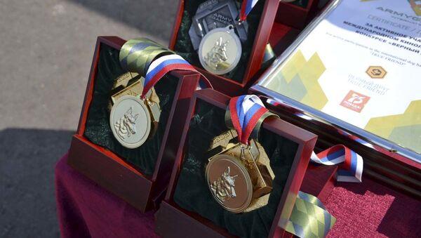 Награды победителям и призерам конкурса Верный друг на АрМИ-2020 - Sputnik Узбекистан