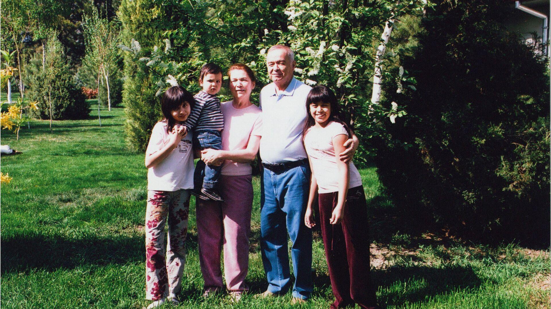 Ислам Каримов на отдыхе вместе со своей семьей - Sputnik Ўзбекистон, 1920, 03.09.2021