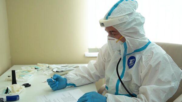 Выписка добровольцев, испытавших вакцину от COVID-19 - Sputnik Ўзбекистон