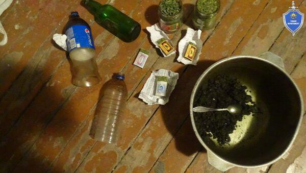 Сотрудники УВД г. Чирчик изъяли 5,7 кг марихуанны - Sputnik Ўзбекистон