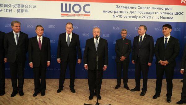 Делегация Узбекистана приняла участие в заседании СМИД ШОС в Москве - Sputnik Узбекистан