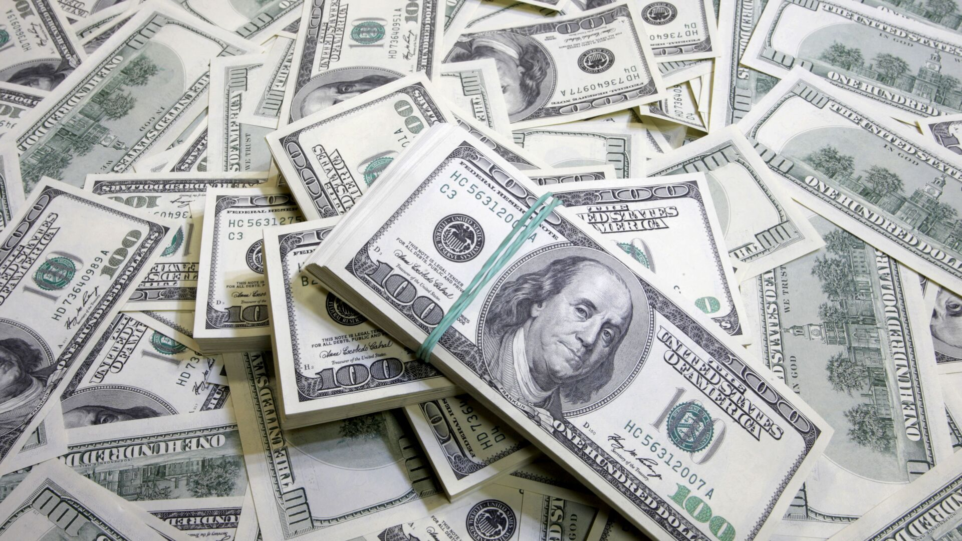 Доллары США - Sputnik Узбекистан, 1920, 21.07.2021