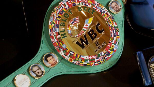 Чемпионский пояс боксерской ассоциации WBC - Sputnik Ўзбекистон