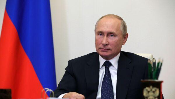 Rabochaya vstrecha prezidenta RF V. Putina s sovetnikom po nauke OAO VPK NPO mashinostroyeniya G. Yefremovыm - Sputnik Oʻzbekiston