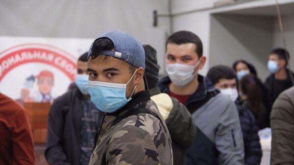 V Moskve startovali profkursы dlya migrantov iz Uzbekistana - Sputnik Oʻzbekiston
