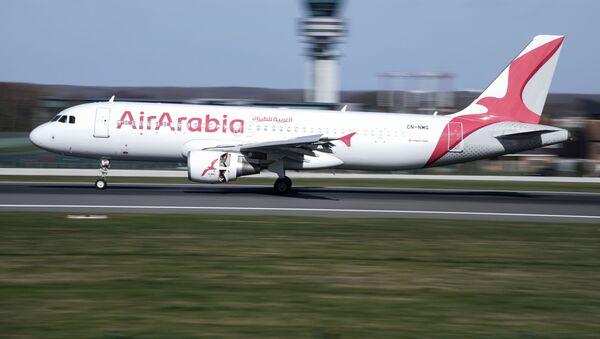 Самолет авиакомпании AirArabia - Sputnik Узбекистан