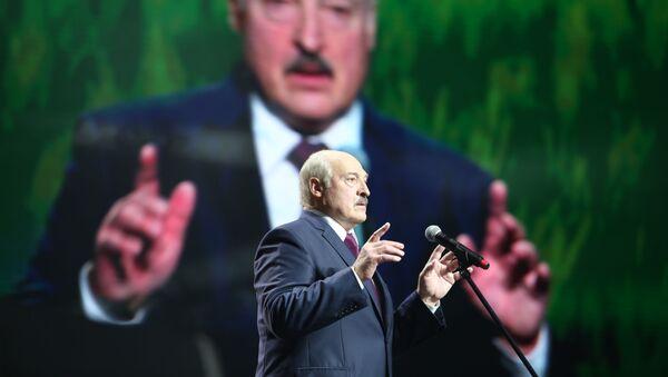 Prezident Belorussii Aleksandr Lukashenko vo vremya vыstupleniya v Minske - Sputnik Oʻzbekiston