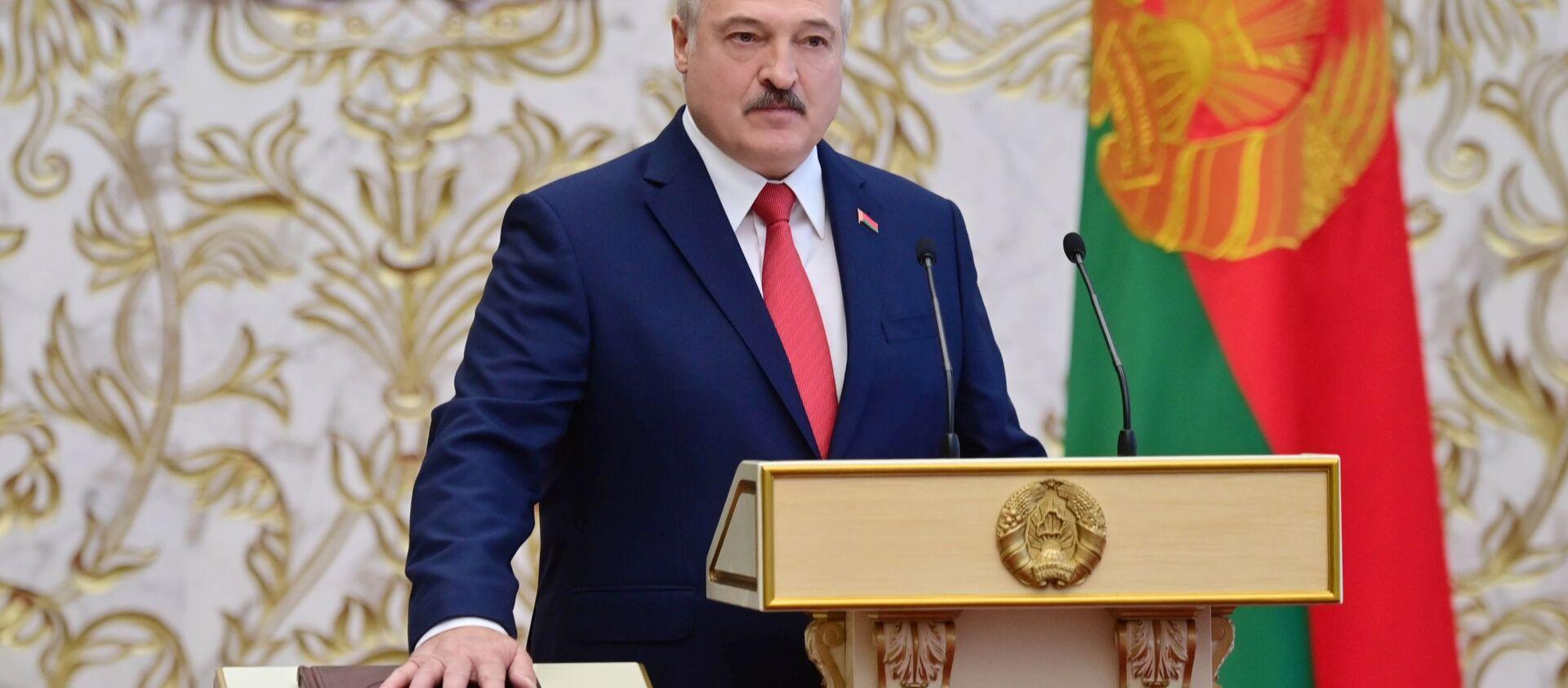 Президент Белоруссии Александр Лукашенко на церемонии инаугурации в Минске - Sputnik Узбекистан, 1920, 27.10.2020