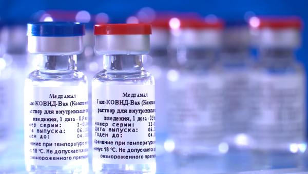 Коронавирус COVID-19: Россия поделится вакциной со странами ближнего зарубежья - Sputnik Ўзбекистон